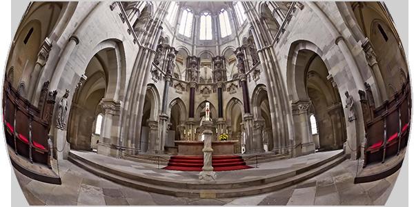 zum Panorama des Chors